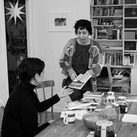 Editar en tiempos revueltos: Marian y James Womack (Nevsky Prospects)Publicado por Raquel Blanco Voy a empezar con una foto: justo la que hay aquí debajo: la editorial es lo q